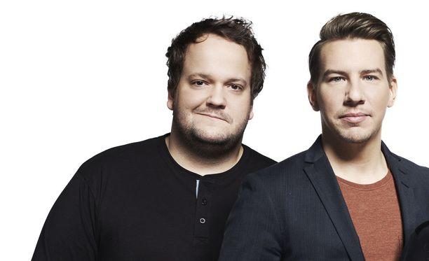 Kalle Lamberg ja Aku Hirviniemi tähdittävät Saturday Night Livea.