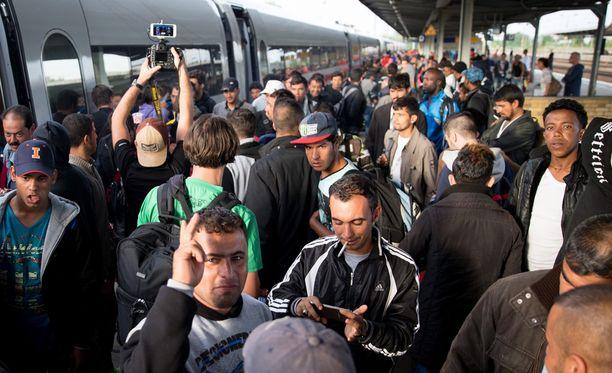 Itävaltaan on tulossa tänään jopa 10 000 pakolaista.
