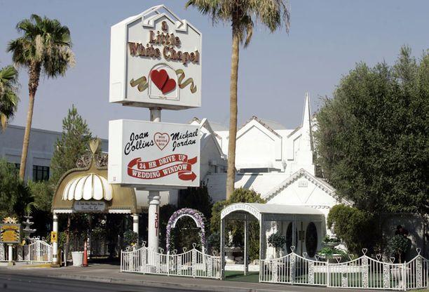 White Wedding Chapelissa ovat toisensa saaneet muun muassa Paul Newman ja Joanne Woodward, Bruce Willis ja Demi Moore sekä Britney Spears ja Jason Allen Alexander. Jälkimmäisten liitto mitätöitiin 55 tuntia häistä.
