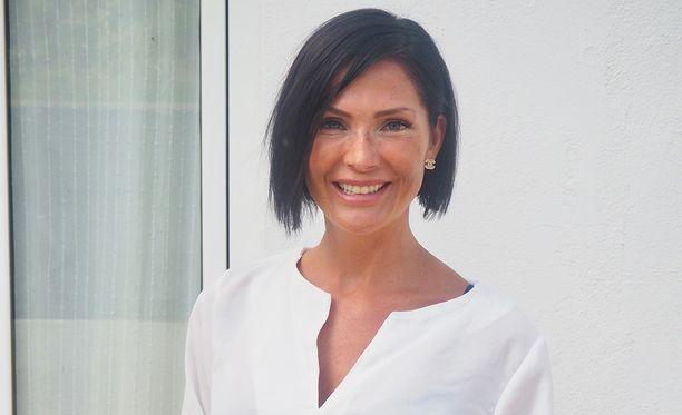 Riina-Maija Palander kertoo hurjasta arjestaan radio Novan haastattelussa.