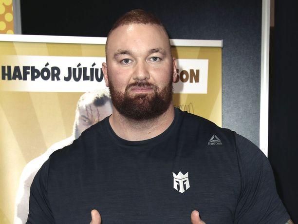 Hafþór Júlíus Björnsson debytoi nyrkkeilykehässä.