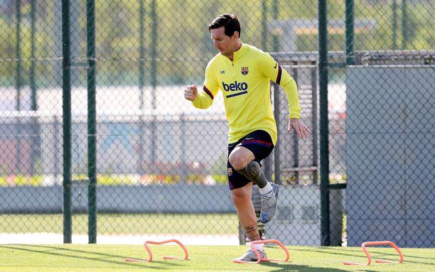 Lionel Messi palasi harjoituksiin ilman partaa. FC Barcelona toimitti kuvan Messistä kuvatoimistoille.