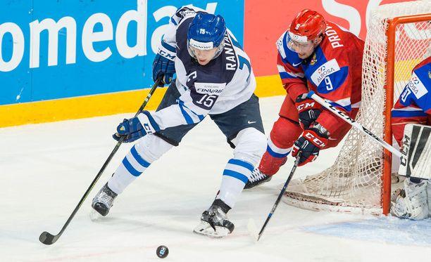 Mikko Rantanen on ollut sivussa loukkaantumisten vuoksi, mutta on silti korkealla AHL:n pistepörssissä.