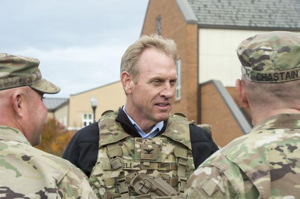Patrick Shanahan seuraamassa sotaharjoitusta Lewis-McChordin tukikohdassa Washingtonissa vuonna 2017.