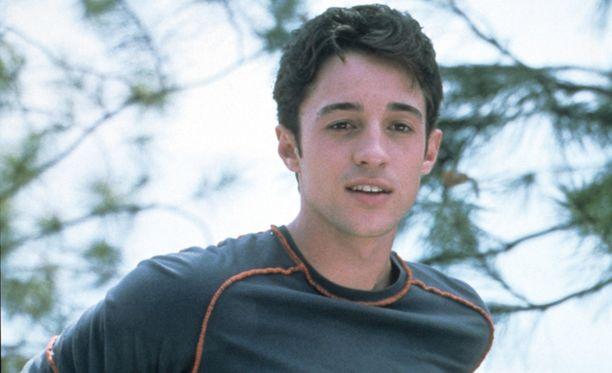 Thomas Ian Nicholas ihastutti 90-luvun lopussa elokuvakatsojat American Pie -komedioiden nappisilmäisenä Kevininä.