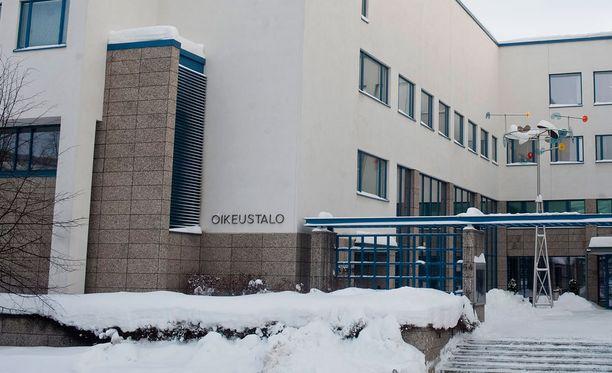 Keski-Suomen käräjäoikeus tuomitsi miehen puolen vuoden ehdolliseen vankeuteen yhdistyksen varojen kavaltamisesta.