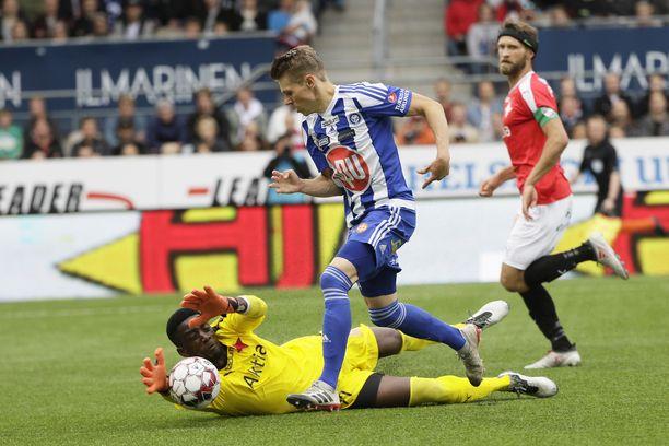 Riku Riskin läpiajon pysäyttänyt Arnold Origi oli HIFK:n paras pelaaja Stadin derbyssä.