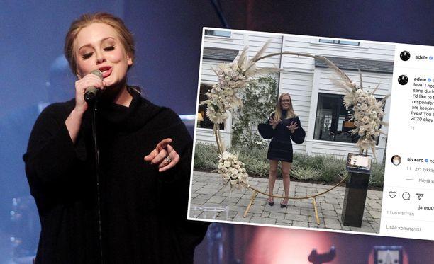 Adele on saanut uransa varrella esimerkiksi 15 Grammy-palkintoa, Oscar-palkinnon ja Golden Globe -palkinnon.