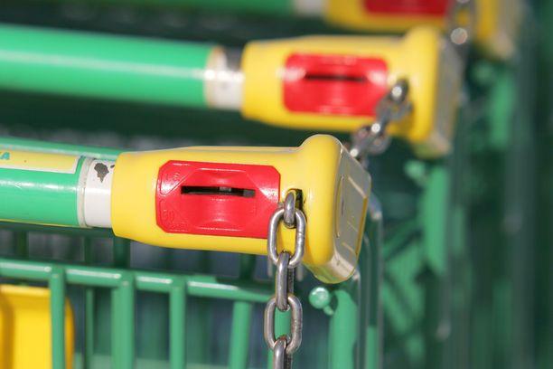 Ruokakauppaketjut eivät ole antamassa omia maskisuosituksia.