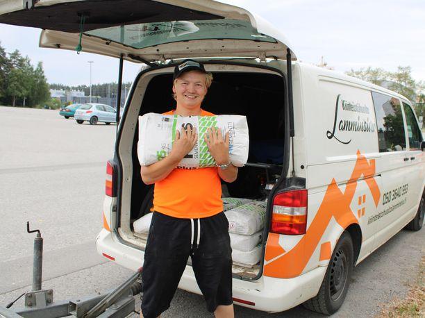 Leevi Lamminsivu perusti kiinteistöhuoltoyrityksen 14-vuotiaana.