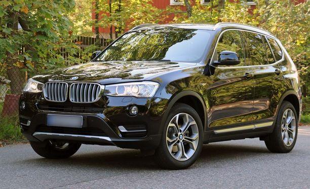 BMW:t menestyivät hyvin. X3 sai pienimmän tiellejäämislukeman 0,9.