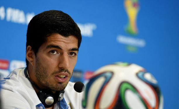 Luis Suarezin päänahkan voi katsoa vartijamäärän perusteella olevan haluttua tavaraa.