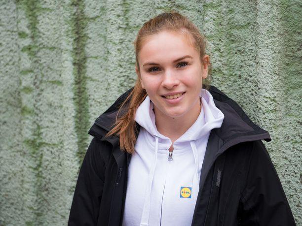 Emilia Kanerva opiskelee urheilu-uransa ohessa kolmatta vuotta matematiikkaa Helsingin yliopistossa.