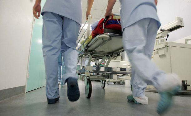 Vuorotyötä tehdään monella alalla. Sairaaloissa iso osa henkilöstöstä tekee vuorotöitä.