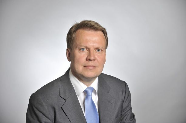 Kansanedustaja Harri Jaskari tylyttää SDP:n puheenjohtajaa Antti Rinnettä veropuheista.