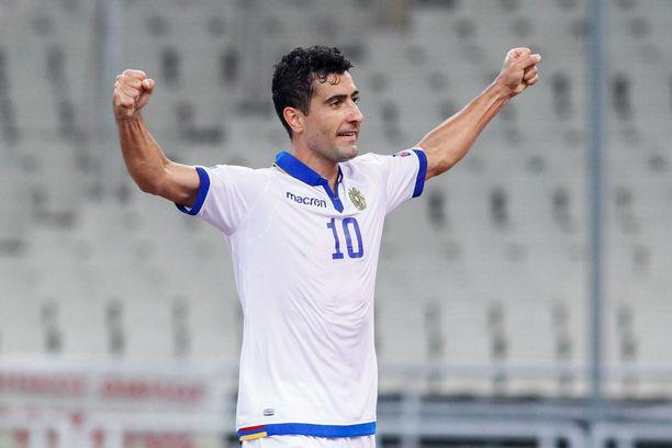 Armenian Gevorg Ghazaryan tuuletti joukkueensa toista maalia.