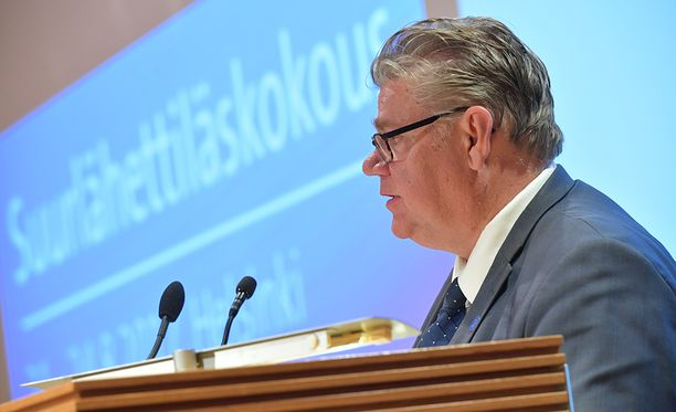 Ulkoministeri Timo Soini (UV) muistutti, että vain oikeusvaltiona voitamme terrorismin.