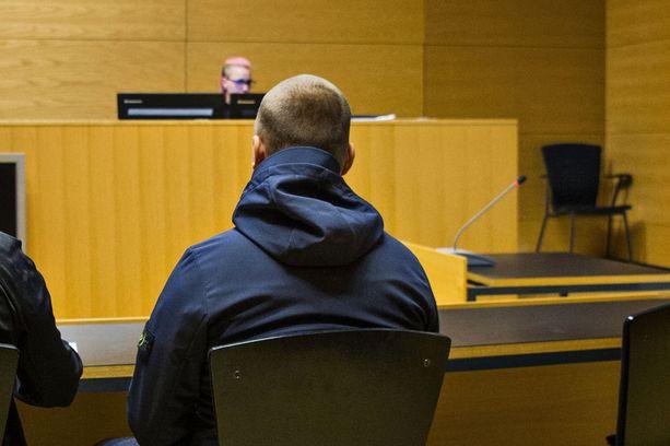 Jesse Torniainen ei peitellyt itseään vangitsemisistunnossa 21. syyskuuta Helsingin käräjäoikeudessa.