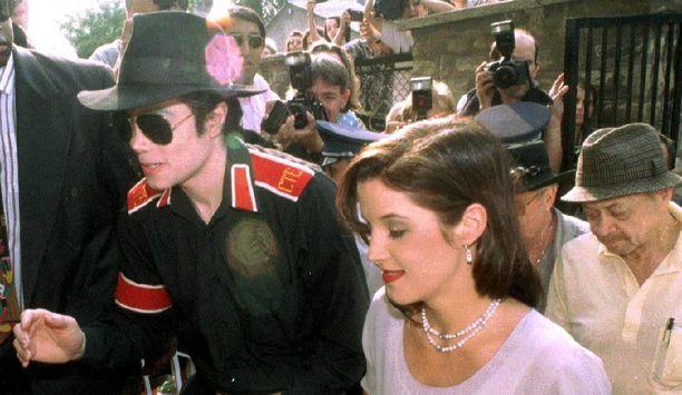 Michael Jacksonin ja Lisa Marie Presleyn avioliiton aitoutta on epäilty.