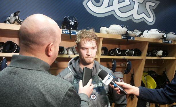 Joel Armian paluu Jetsin pukukoppiin sai median kiiruhtamaan porilaisen ympärille.