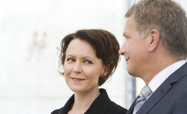 Mikä mahtaa tulla presidenttiparin poikavauvan nimeksi? Tätä kysymystä takuulla pohditaan kahvipöytäkeskusteluissa ympäri Suomen.