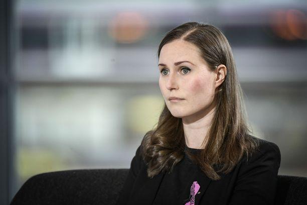 Sanna Marin toivoo, että Johanna Ojala-Niemelä toipuu hyvin ja pääsee palaamaan perustuslakivaliokunnan puheenjohtajaksi.