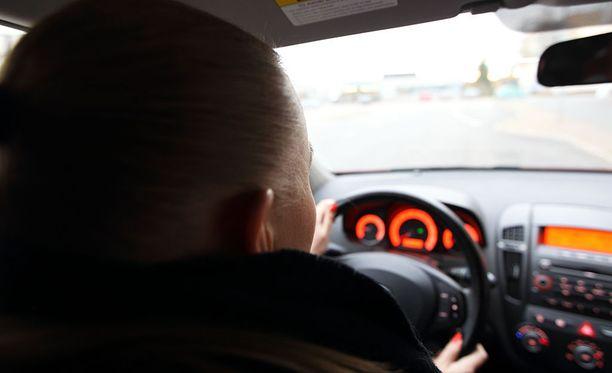 Poliisi tutkii tapausta liikenneturvallisuuden vaarantamisena.
