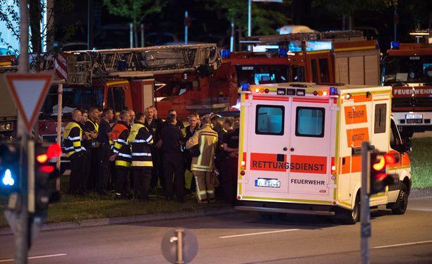 Poliisin mukaan Münchenin hyökkäyksen ampuja oli 18-vuotias iranilaistaustainen saksalaismies.