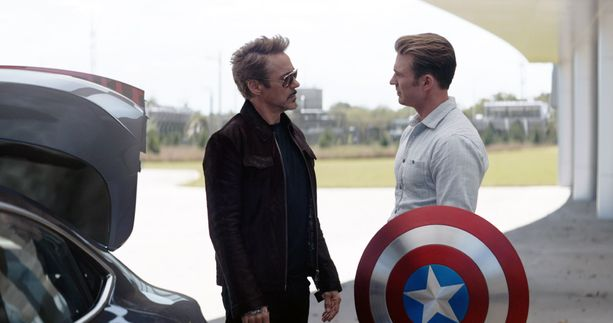 Robert Downey Jr. näytteli Iron Man -supersankaria kymmenen vuoden ajan. Chris Evans tunnettiin Kapteeni Amerikkana.