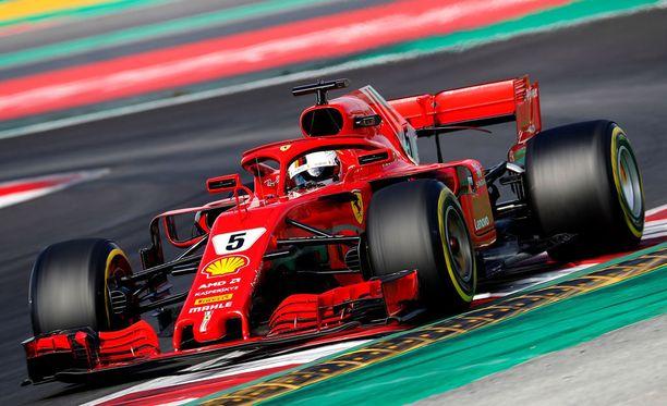 Sebastian Vettelin Ferrari tunnetaan tästä eteenpäin Loriana.