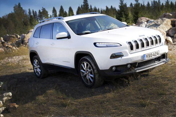 Jeep Cherokeet vuosilta 2014-2018 ovat takaisin kutsuttujen autojen joukossa. Kuvassa auto vuodelta 2015.