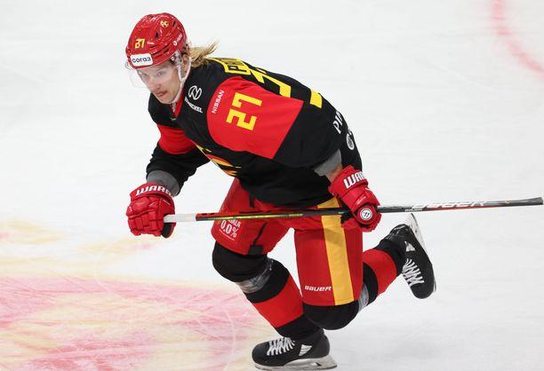Mika Partanen debytoi pari viikkoa sitten KHL:ssä Jokerien riveissä.