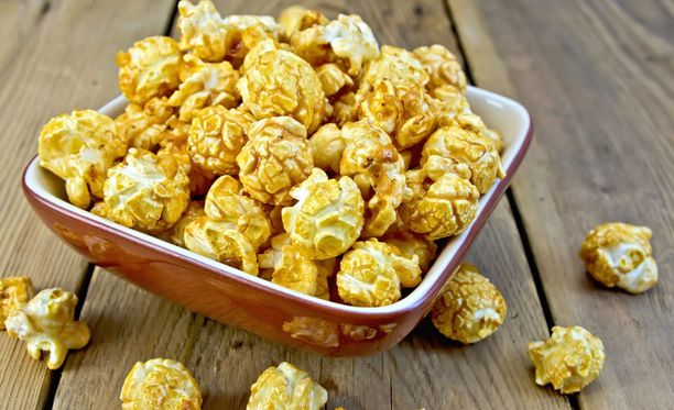 Popcornit voi maustaa oman mielen mukaan. Sklaa toimii myös hyvin.