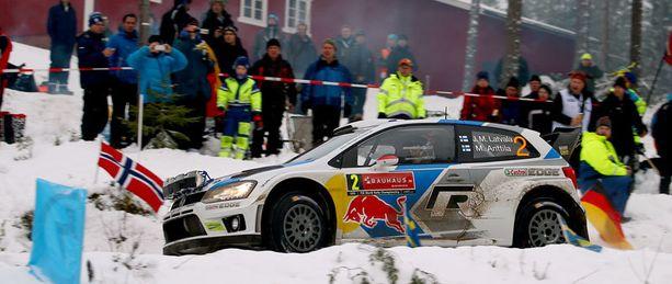 Jari-Matti Latvala karautti kärkeen Ruotsin rallissa.