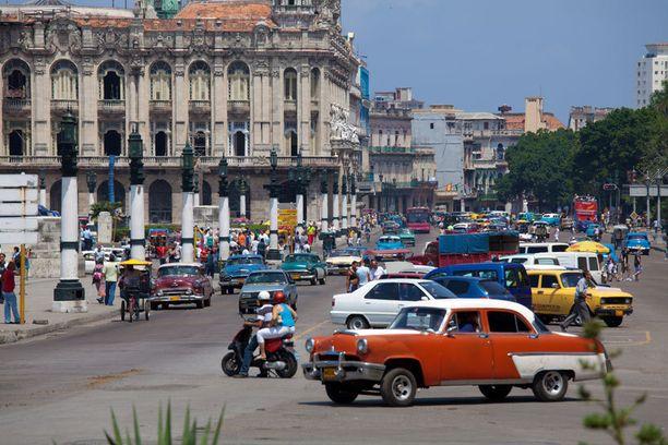 Kuuba hehkuu vanhaa aikaa.