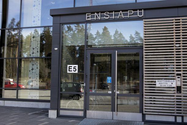 Uhri hakeutui Kanta-Hämeen keskussairaalan ensiapuun.