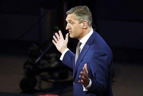 Sybrand Buma johtaa kristillisdemokraatteja.