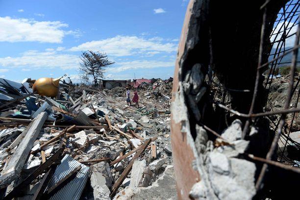 Tsunami iski Sulawesin saarelle viimeksi syyskuussa 2018. Kuolleiden lukumääräksi arvioitiin tuolloin 1 500 henkeä.