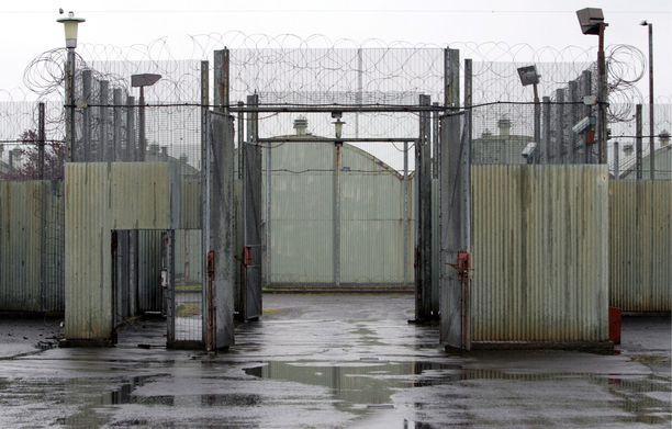 Kuuluisat protestit sekä kohtalokkaat nälkälakot tapahtuivat Pohjois-Irlannissa sijainneessa Mazen vankilassa.