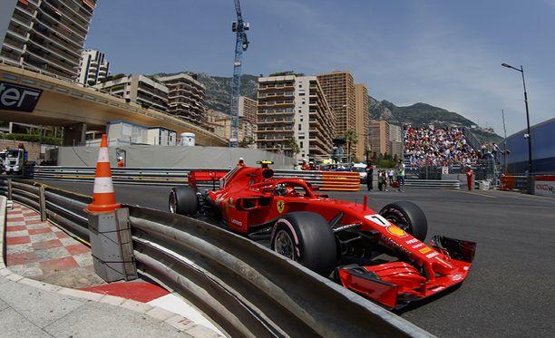 Suomalaiskuskilla on edessään vielä seitsemän osakilpailua Ferrarilla.