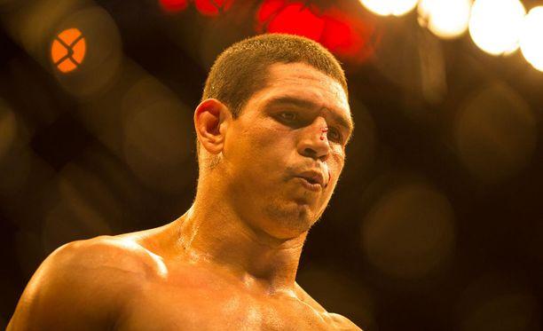 Cezar Ferreiran saldo UFC:ssä on 12-6.