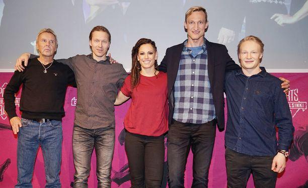 Matti Nykänen (vas.), Toni Kohonen, Eva Wahlström, Sami Hyypiä ja Peetu Piiroinen vierailivat Teemu Selänteen tv-ohjelmassa.