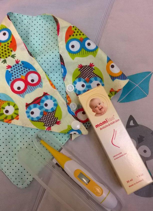 Nännivoide ja digitaalinen kuumemittari ovat tämän vuoden uutuuksia äitiyspakkauksessa.
