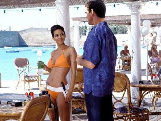 Kuolema saa odottaa jäi Pierce Brosnanin viimeiseksi Bondiksi. Siihen päättyy myös kesän elokuvasarja.
