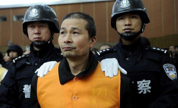 Kuolemanrangaistusten kokonaismäärän ei uskota vähenevän oleellisesti Kiinassa. Kuvan mafiapomo tuomittiin kuolemaan vuonna 2009.