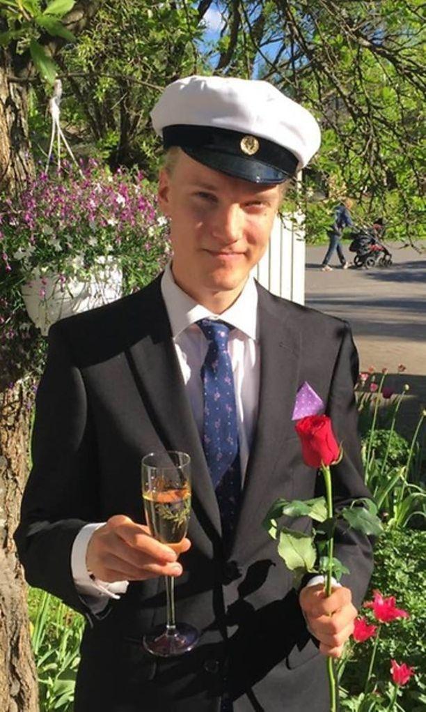 Ossian Jaakkola kirjoitti ylioppilaaksi viime keväänä.