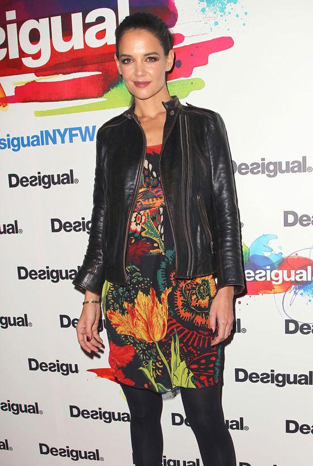 Katie Holmes rakastaa syysmallistojen värejä.
