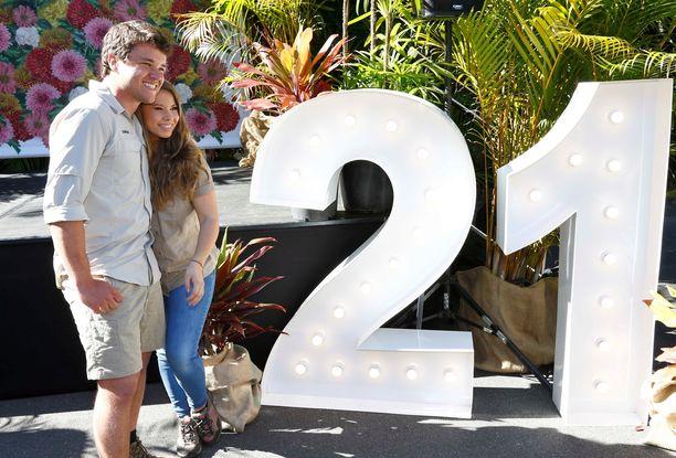 Bindi Irwin juhli syntymäpäiväänsä perheen ja ystäviensä kanssa Australia Zoo -eläintarhassa.
