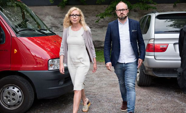 Tuomas Enbuske haastatteli Anneli Aueria keskiviikkona Porin Suomi-areenassa.