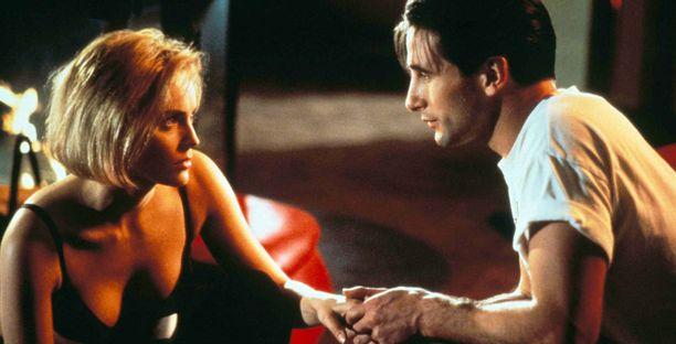 Sharon Stone puri William Baldwinia kieltä niin kovaa, ettei Baldwin voinut puhua kokonaiseen päivään.